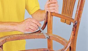 KROK III - Rozkręcanie krzesła